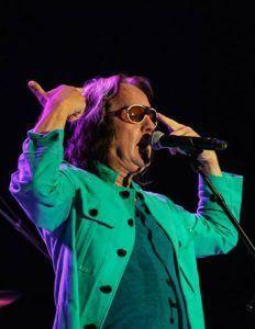 INDICA Todd Rundgren Bogota Colombia con Indica jacket seafoam green 02